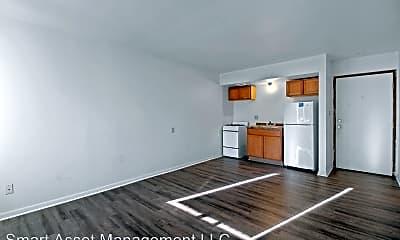 Living Room, 2841 W Highland Blvd, 1