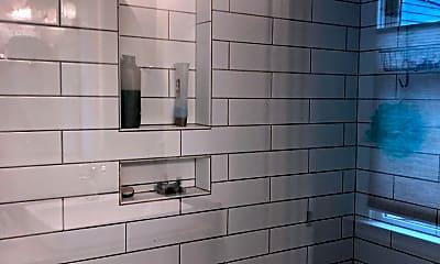 Bathroom, 1311 Everett Ave, 2
