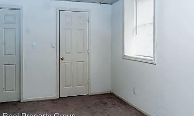 Bedroom, 210 Hitt St, 1