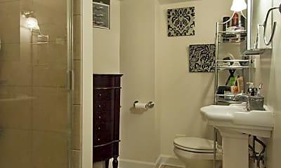 Bathroom, 2102 N Sheffield Ave, 0