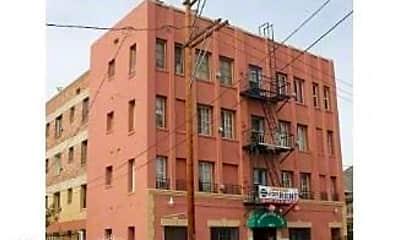 Building, 1443 S Bonnie Brae St, 2