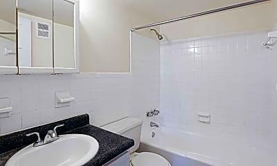 Bathroom, Ridge Manor, 2
