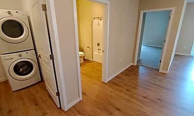 Bathroom, 554 Junction Rd, 2