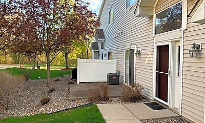 Building, 597 Woodduck Dr, 1