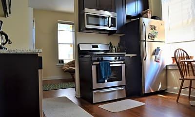 Kitchen, 1629 S Throop St 2R, 1