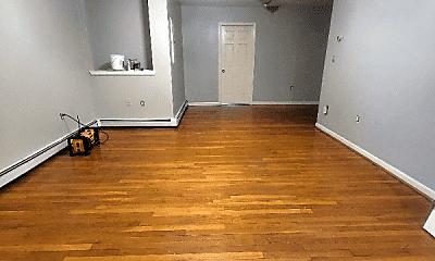 Living Room, 13 Montrose St, 1