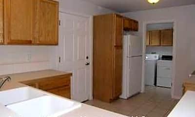 Kitchen, 417 Sierra Ave, 1