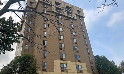 Henry J. Pariseau Apartments, 1