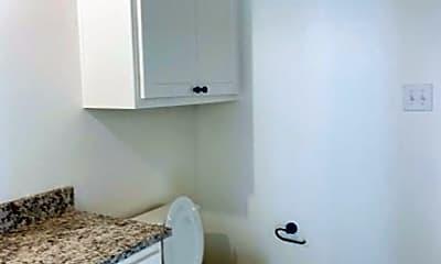 Bathroom, 5607 Lehigh St, 2