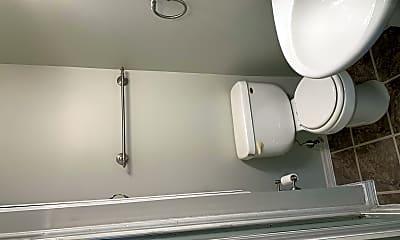Bathroom, 835 2nd St NW, 2
