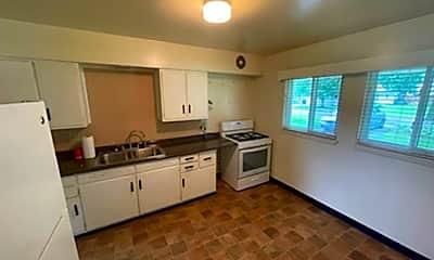 Kitchen, 513 S Tara Ln, 1