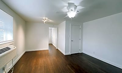 Living Room, 701 Culbertson Dr, 1
