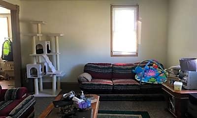 Living Room, 314 W Calhoun St, 2