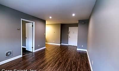 Living Room, 2333 Neil Ave, 2