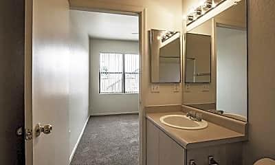 Bathroom, San Angelin, 2