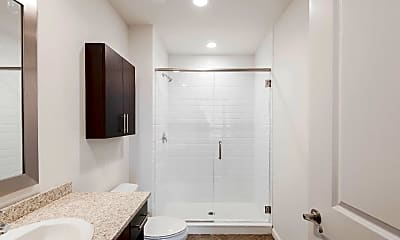 Bathroom, 234 N Christopher Columbus Blvd 304, 2