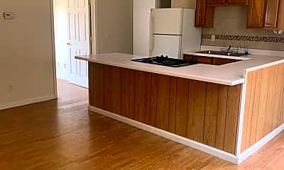 Living Room, 1149 Links Rd, 2