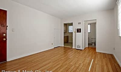 Living Room, 918 4th St, 1