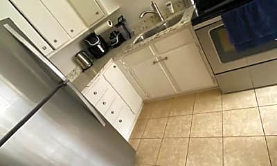Kitchen, 521 Logan Ave N, 0
