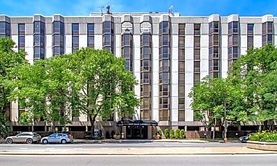 Building, 1000 North LaSalle, 2