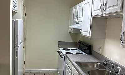 Kitchen, 2014 N Willow Ave, 1