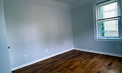 Living Room, 637 Central Ave, 2