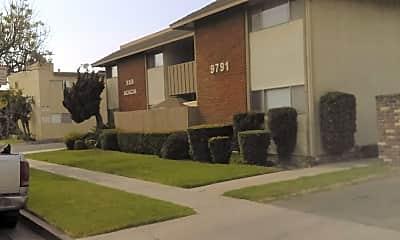 R & B Acacia Apartments, 1