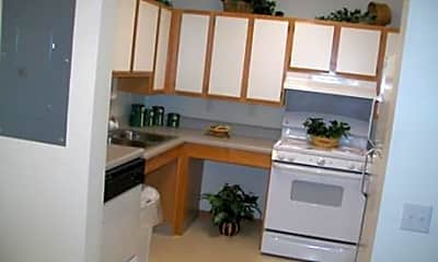 Pineview Apartments, 2