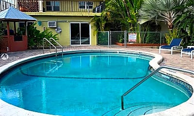 Pool, 1100 NE 9th Ave 302, 2