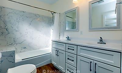 Bathroom, 204 Girard St, 2