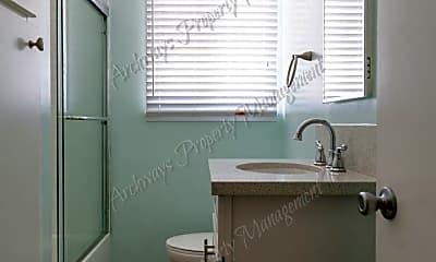 Bathroom, 3718 Corinth Ave, 2
