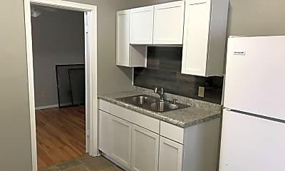 Kitchen, 362 Winifred St E, 1