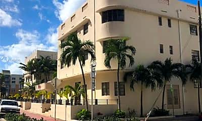 Building, 2730 Collins Ave, 2