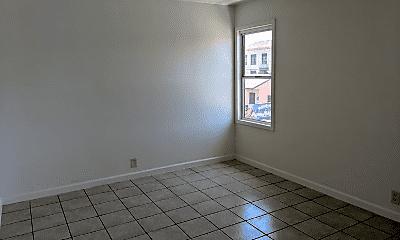 Living Room, 108 E 47th Pl, 2