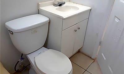 Bathroom, 1038 W Jefferson St, 2