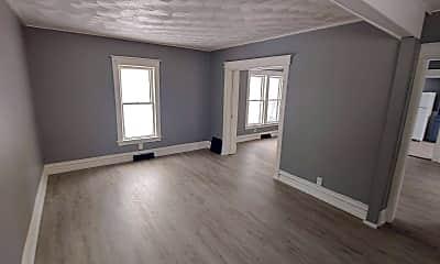 Bedroom, 1323 Poplar Pl, 2