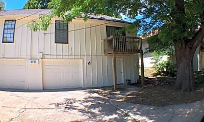 Building, 8513 Robinson St, 2