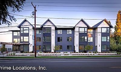 Building, 909 Eastside St SE, 2