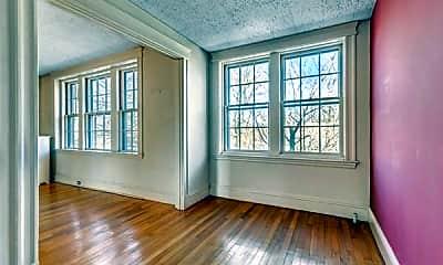 Living Room, 250 Brattle St, 1