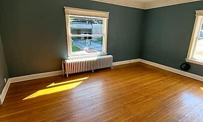 Living Room, 702 S Bernard St, 1
