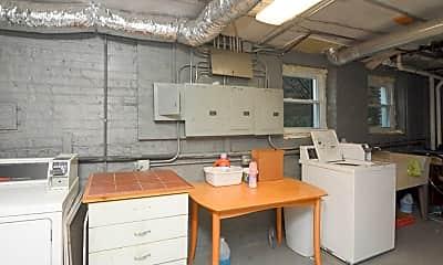 Kitchen, 2225 W Walton St, 2