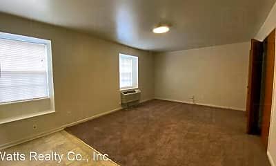 Building, 904 Milstead Rd, 1