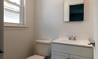 Bathroom, 36 Falmouth Ave, 2
