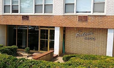 Falcoln Apartments, 1
