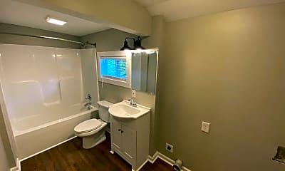 Bathroom, 3 Carolina St, 1