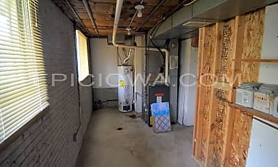 Bedroom, 321 Boyson Rd NE, 2