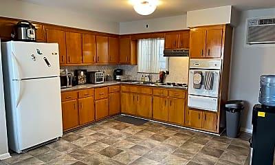 Kitchen, 1701 Manhattan Ave 2, 1