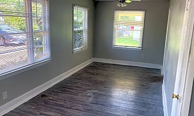 Living Room, 2414 Yates Dr, 2