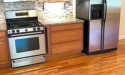 Kitchen, 501 Park Cir, 1
