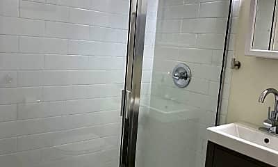 Bathroom, 4036 O'Hear Ave, 2